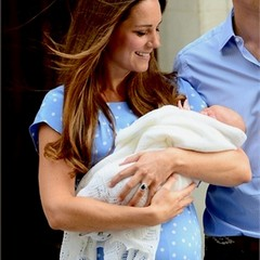 Kate nei panni di Royal Mum