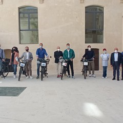cerimonia consegna bici- progetto help