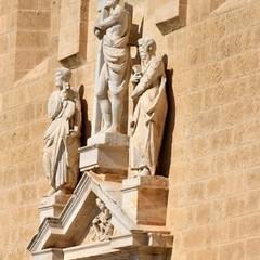 Cristo con croce Cattedrale- passeggiando con la storia
