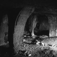 Passeggiando con la storia- Cripta Tota