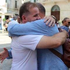 marcia abbracci Domenico Giacomobello dona un abbraccio