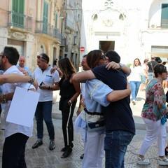 marcia abbracci nel centro storico