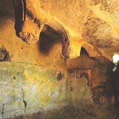 Passeggiando con la storia- cripta Padre Eterno