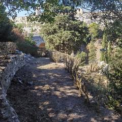 sentiero presso ponte acquedotto