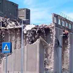 silos- crollo facciata