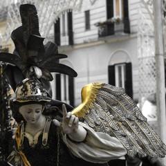 Passeggiando con la storia- statua processionale