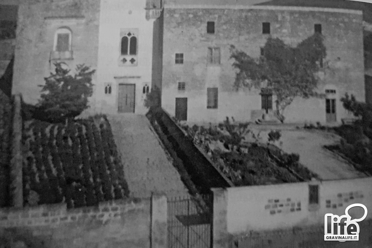 Chiesa e convento visti dallalto Foto