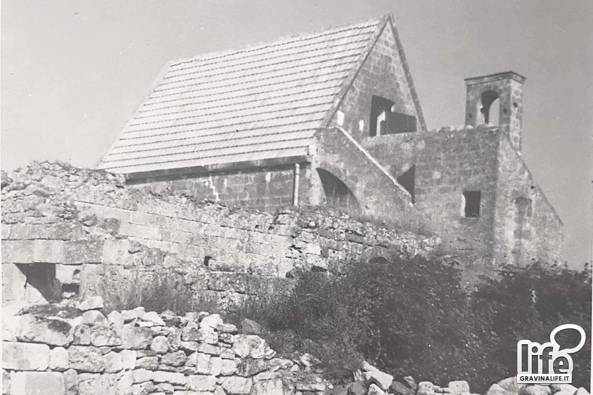 Particolare del tetto della chiesa di Coluni Foto