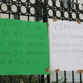Cittadini disoccupati manifestano al Comune