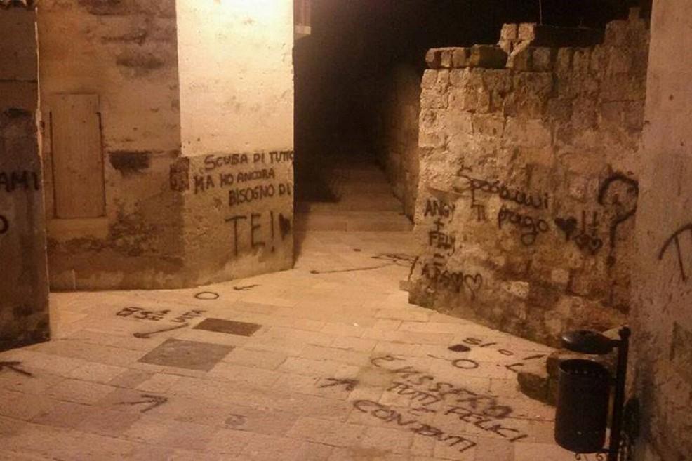 Scritte sui muri del centro storico