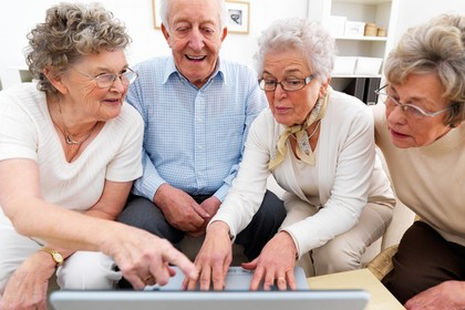 anziani internet