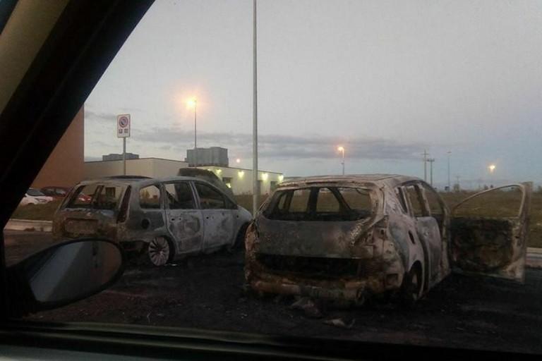 Auto incendiate Ospedale