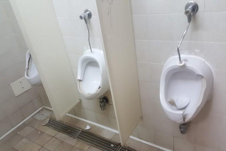 Vandalismo nei bagni pubblici
