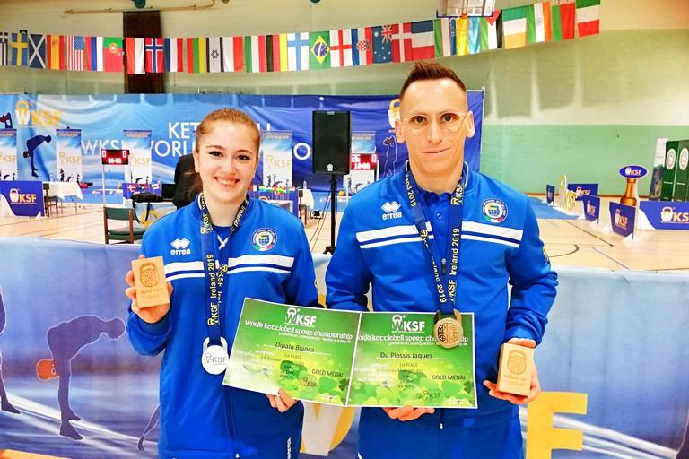 nella foto i campioni mondiali di kettlebell: Bianca Dipalo e Jaques du Plessis