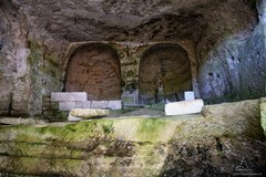 Una chiesa rupestre poco conosciuta con affreschi semidistrutti