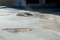 Palazzo di città finanzia la manutenzione delle strade