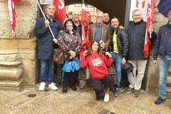 Attacco alla Cgil a Roma, camera del lavoro aperta a Gravina