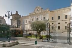 Mancano portinai a Palazzo di città, affidamento esterno