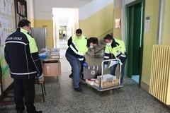Didattica a distanza, Protezione civile consegna tablet e pc