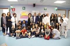 Il reparto di Neurologia dell'Ospedale della Murgia si colora d'amore con gli scatti di Carlo Centonze