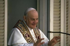 """San Giovanni XXIII patrono dell'Esercito Italiano?  """"Roba da matti"""""""