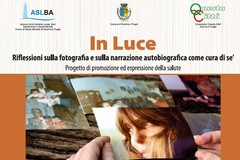 """""""In Luce - Riflessioni  ulla fotografia e sulla narrazione autobiografica come cura di sé"""""""