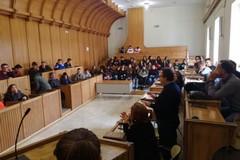 """Giovani e territorio: gli studenti del """"Bachelet"""" in visita agli uffici comunali"""