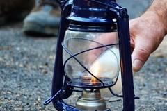 """""""Luce della Pace di Betlemme"""", una fiamma di speranza per i più bisognosi"""