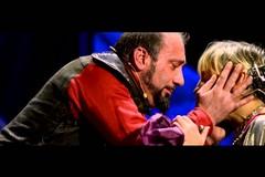"""Malo et malo"": l'Amleto di Shakespeare in chiave moderna"