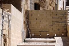 Via Giudice Montea: ristrutturata, serrata e abbandonata