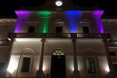 Palazzo di Città s'illumina per la giornata delle malattie rare