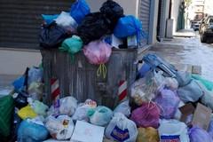 Operai ancora in sciopero senza preavviso: stop alla raccolta rifiuti