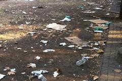 Rifiuti abbandonati, dalla Giunta fondi insufficienti per ripulire le strade