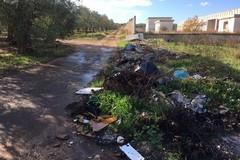 Abbandono di rifiuti, campagne trasformate in discariche