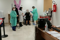 Vaccinazioni in Puglia, aperte le adesioni per altre fasce di età