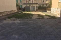 Abuso di suolo pubblico in via Domenico Nardone, la denuncia di Gravina 5 Stelle