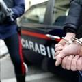 Evade gli arresti domiciliari per recarsi in un bar