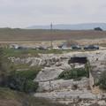 Auto sul pianoro, sfregio all'area archeologica