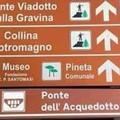 Errore nei segnali turistici per il ponte acquedotto