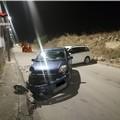 Fanno incidente durante gara di velocità tra auto nella zona industriale