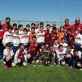 I piccoli della ASD Silvium Gravina in campo con i giocatori del Perugia
