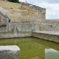 Pilacci a secco e acqua putrida per i turisti
