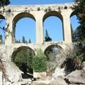 Lo stato di abbandono del Ponte della Gravina