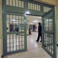 Scarcerato il 44enne accusato di aver picchiato la figlia