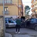 Scontro frontale tra due veicoli in via Lecce: chi ha ragione?