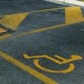 Parcheggi, aumentano i posti per i disabili