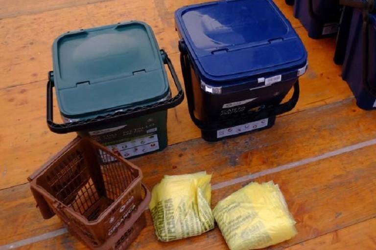 Distribuzione kit gratuiti per raccolta differenziata