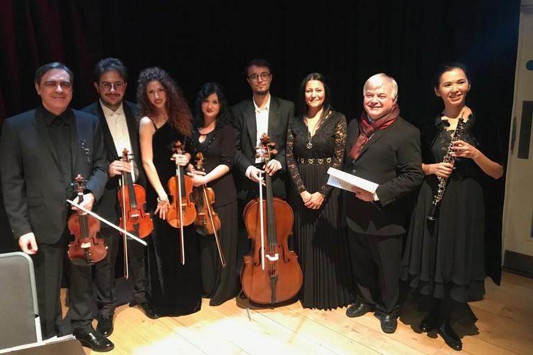 emsamble Stradivarius