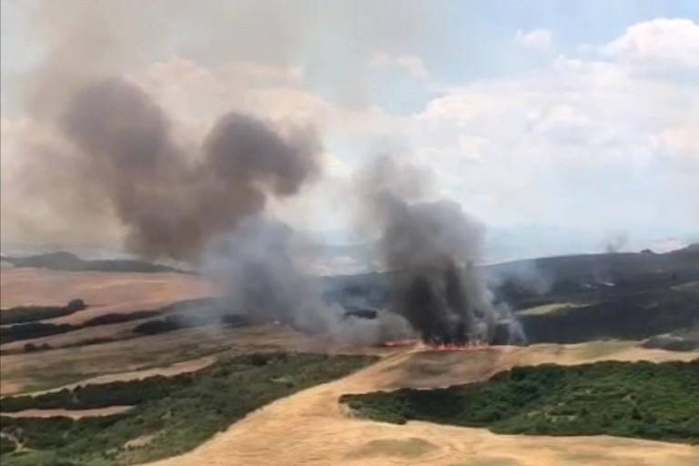 campi in fiamme