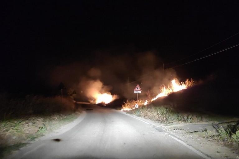 incendio strada Chimienti -San Mauro